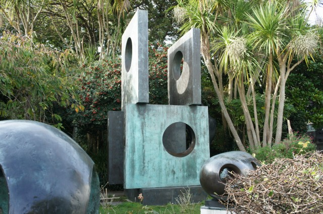 Barbara Hepworth - Four Square, 1966