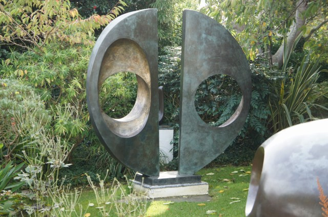 Barbara Hepworth - Two Forms (Divided Circle), 1969